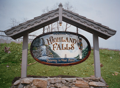 """Highland Fall"" town sign by Clay Boone"